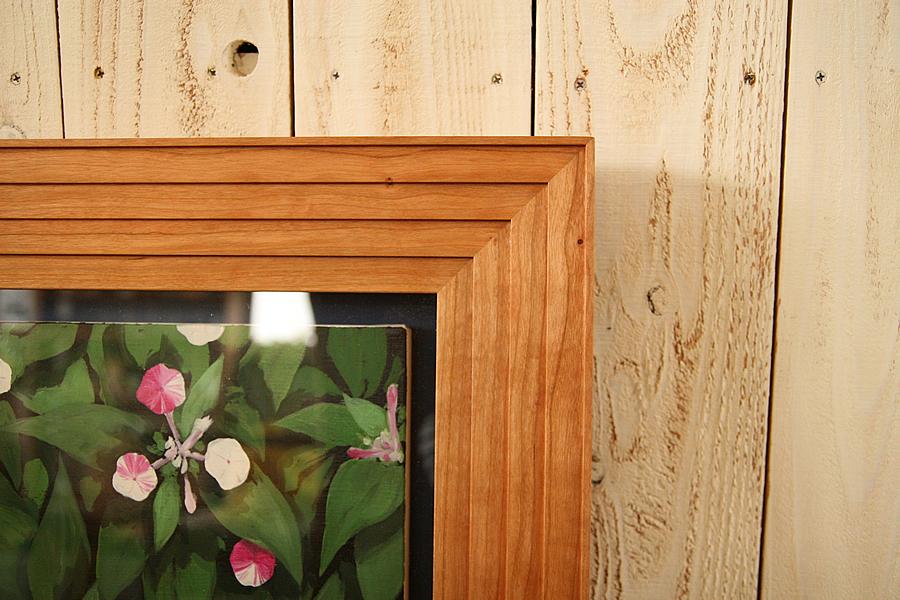 油彩キャンバス作品を飾る箱型の無垢の木ブラックチェリーの額縁