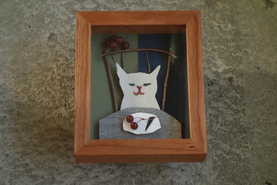 布切り絵を飾る無垢の木ブラックチェリーの箱型の額縁